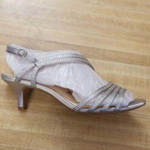 Alex Marie silver dress shoes size 8.5 never worn